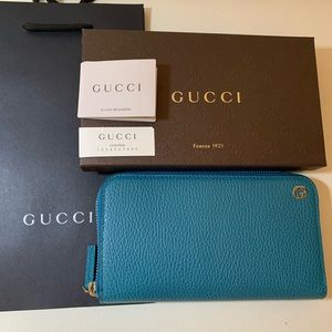 NEW Gucci Cobalt Turquoise Leather GG Zip Wallet